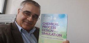 Docentovi Haydarymu z FCHPT STU vyšla vedecká monografia